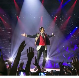 Ο Σάκης Ρουβάς Αποθεώθηκε  Στο Συναρπαστικό Grand Finale  Της Πιο Πετυχημένης Περιοδείας The Ace Of Hearts Tour