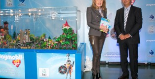 PLAYMOBIL_PLAY & GIVE_1